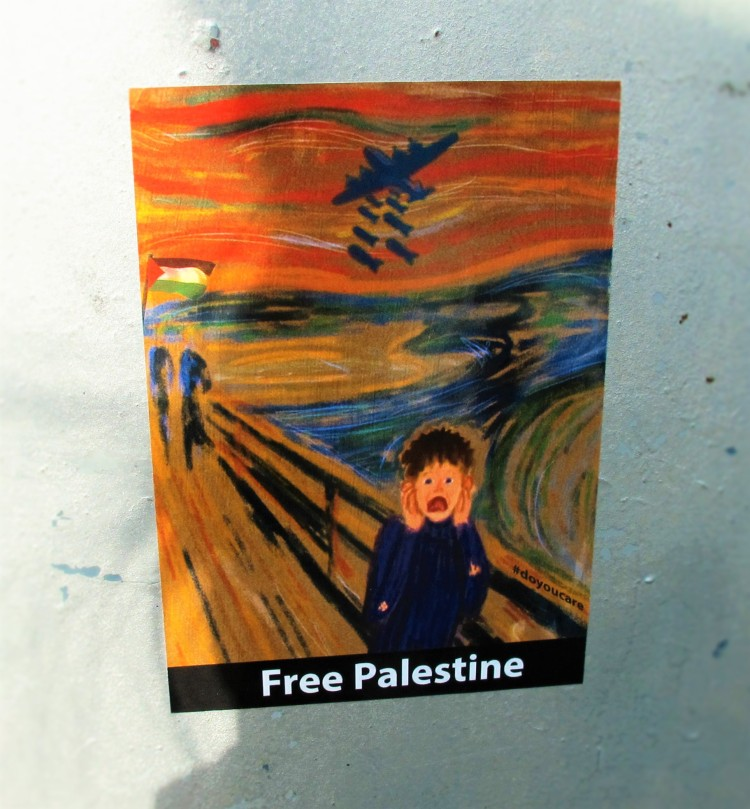 """Altered version of """"The Scream"""" with """"Free Palestine"""" written at the bottom"""